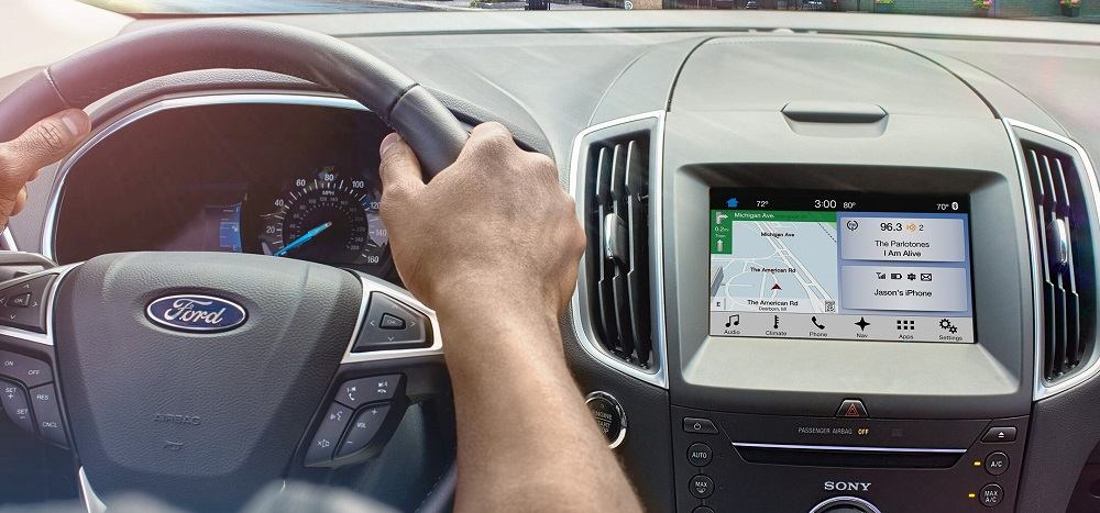 [Updated] Android Auto issues with Google Maps stuck at loading route & Assistant not fetching location-based results being looked into